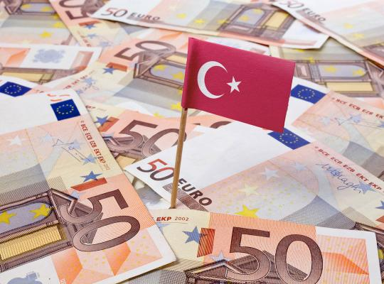 Traditionele partijen stoppen Erdogan 595 miljoen euro Europees geld toe